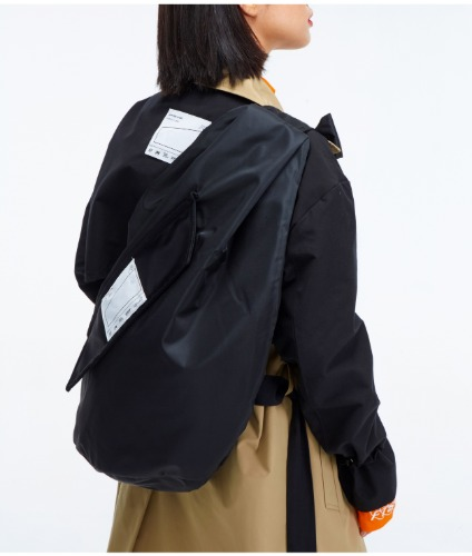 BUCKEL SLINGBAG BLACK